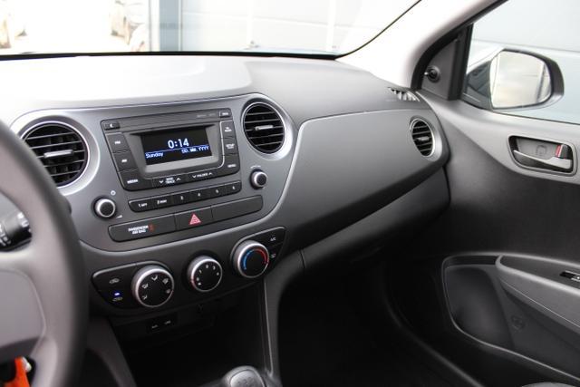 Hyundai i10 1,0 MT Radio, Klimaanlage Cashmere Brown