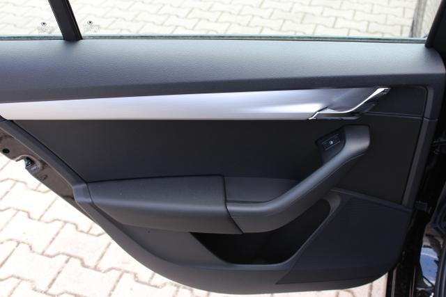 Skoda Octavia III Combi Ambition 1,5 TSI – 110 KW – DCT –Schwarz Metallic Stoff schwarz