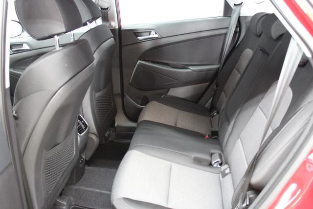 Hyundai Tucson Level 3 1,6 T-GDi 4WD DCT  Fiery Red / Stoff Schwarz 805q Navi Alu18 Shh