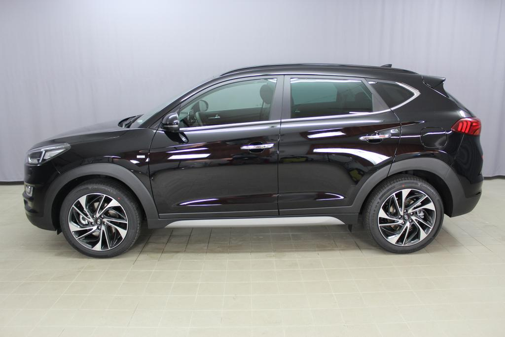 Hyundai Tucson Level 6 2,0 CRDi 4WD AT 828q	 Phantom Black / Leder Schwarz