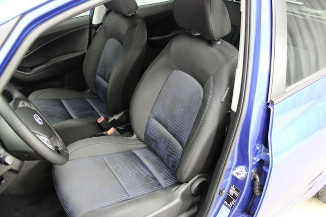 Hyundai ix20 Level 3 1,6 CVVT AT 221qr  Low Buget Champion Blue / Stoff Blau Schwarz