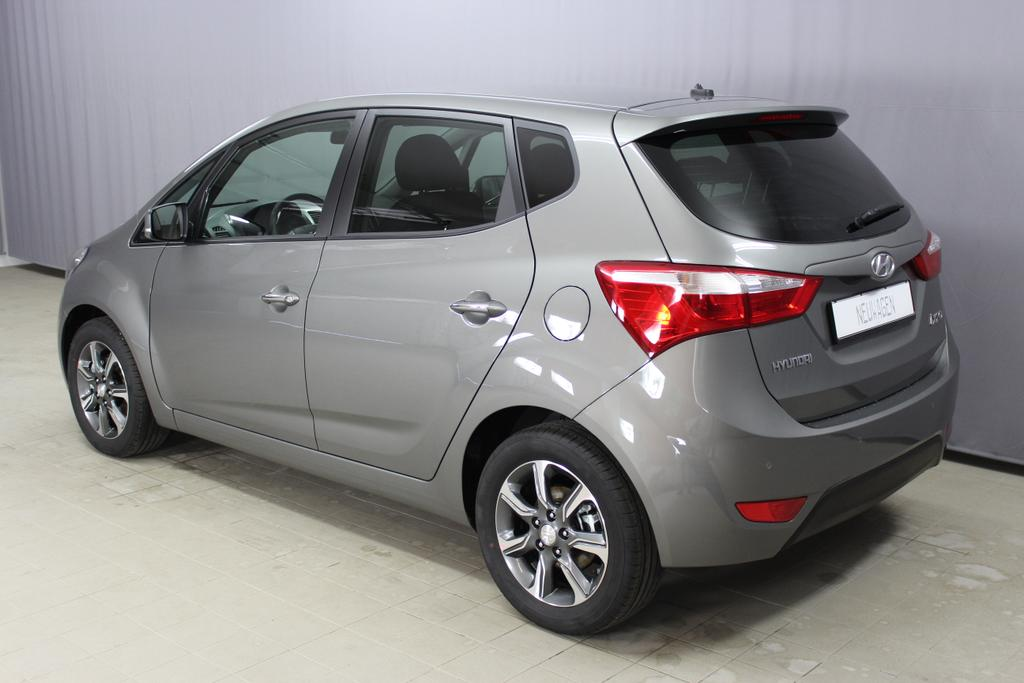 Hyundai ix20 Level 3 1,6 CVVT 220q Olivine Grey / Stoff Blau Schwarz , Alufelgen