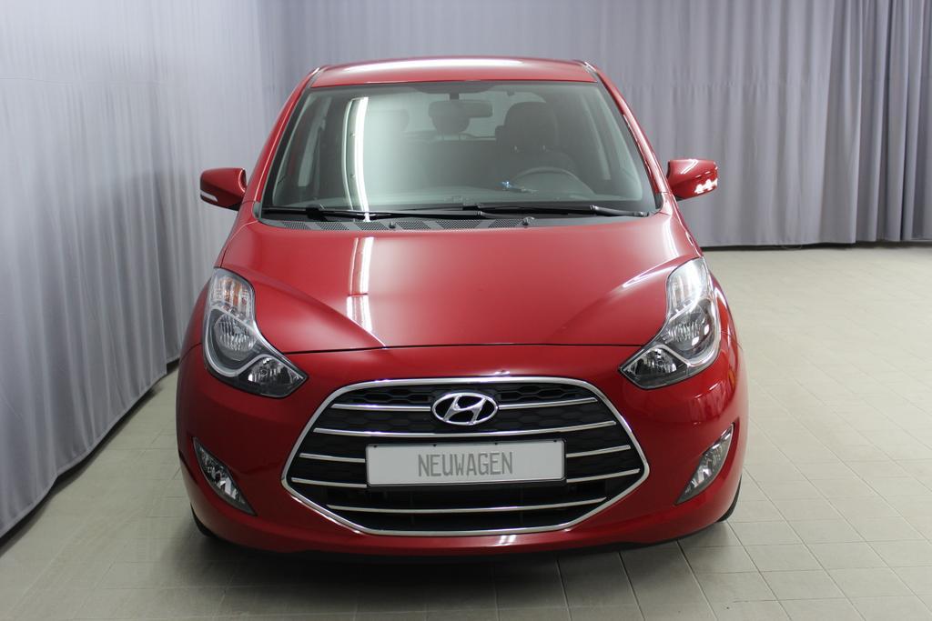 Hyundai ix20 Level 3 1,6 CVVT AT 221q Fiery Red / Stoff Schwarz