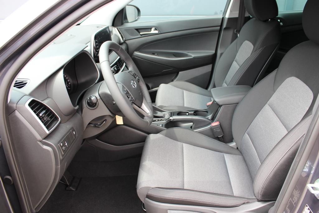 Hyundai Tucson Level 3 1,6 T-GDi 2WD DCT 805q Navi 18 SHH PG Navi.DAB+18Zoll+ Sitzh.h. Privacy GlasMicron Grey