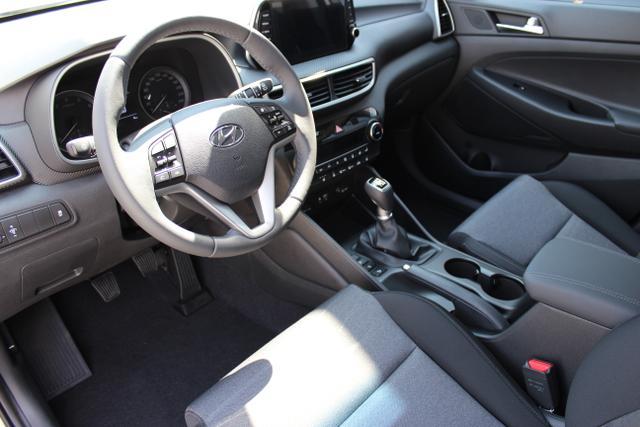 Hyundai Tucson Level 3 1,6 GDi 2WD MT 803q Navi  ÖSNavi/DAB Platinum Silver/ Stoff Schwarz