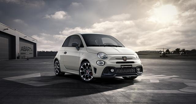 Abarth 595 Competizione - Sie sparen 6.300 Euro 1,4 T-Jet Beats, Bi Xenon, Navigationssystem, Urban Paket, MJ 2020, Apple CarPlay, 17