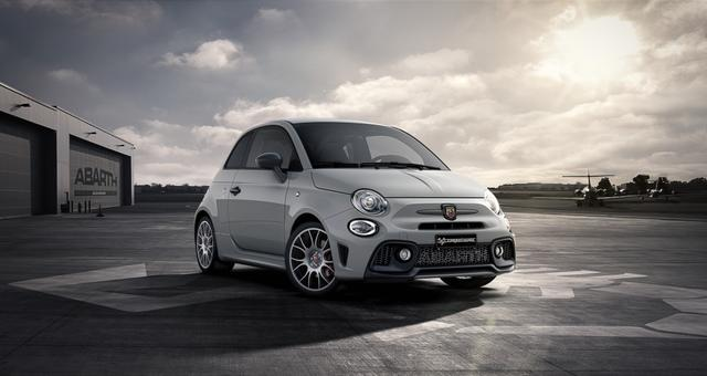Abarth 595 Competizione - Sie sparen 6.350 Euro 1,4 T-Jet Beats, Bi Xenon, Navigationssystem, Urban Paket, MJ 2020, Apple CarPlay, 17