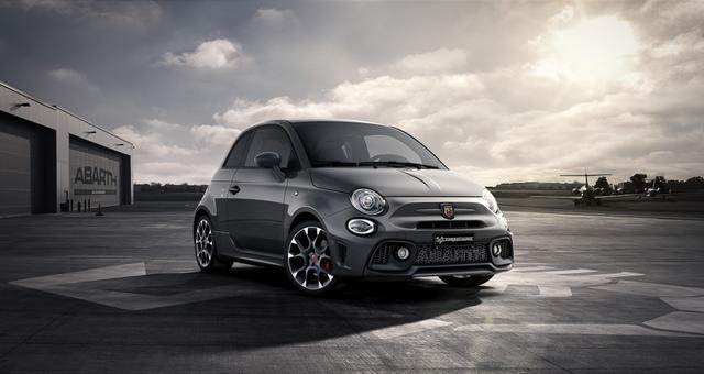 Abarth 595 Competizione - Sie sparen 6.340 Euro 1,4 T-Jet Beats, Bi Xenon, Navigationssystem, Urban Paket, MJ 2020, Apple CarPlay, 17