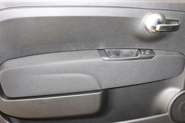 """""""595 Pista MY20- 1.4 T-Jet 107 KW (160PS) 1Y3 PS UPGRADA AUF 165PS""""695 / 5DP Record Grau645 Integral Sportsitze Stoff Schwarz ohne Aufpreis""""06P Urban Paket 140 Klimaautomatik 4TA /5HR Bremssättel Gelb lackiert Gelbe Front-/Heckspoilerlippe, Außenspiegelkappen 5DP Record Grau (Metallic-Lackierung) 6GD Radioantenne 7QC UconnectTM HD-NAV mit Europakarte und Radio mit 7"""""""" Touchscreen, AUX-IN, USB, Bluetooth®, DAB """""""