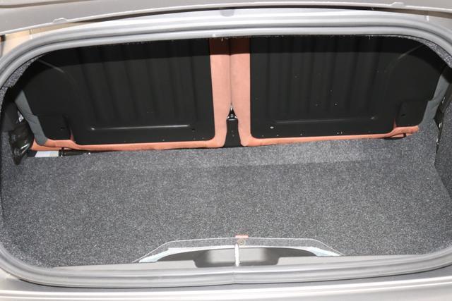 595C MY20-Competizione 1.4 T-Jet 132 KW (180PS)708 Asfalto Grau Matt952  Rennsportsitze