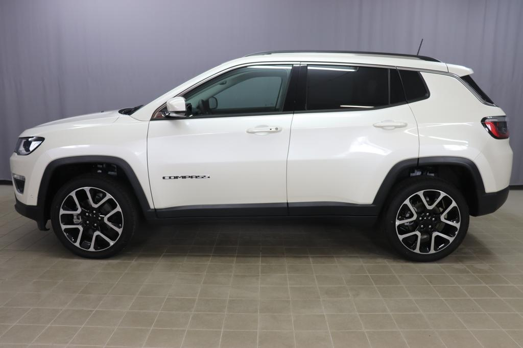 Jeep Compass Limited 1,4 125kW 170 PS Multi Air AWD Allrad 9 Stufen AutomatikgetriebePWH - Pearl white1D5 - Stoff / Leder / Schwarz