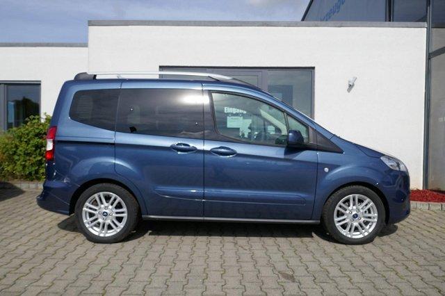 Ford Tourneo Courier - TITANIUM NavKamera/ParkPilot/AHK