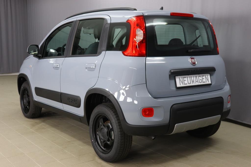 Panda 4x4 0,9 Twin Air Turbo 85 4x4 Wild785 Minimal Grey   139 Stoff Schwarz/Grau, Rote  Nähte, Armaturenbrett grau