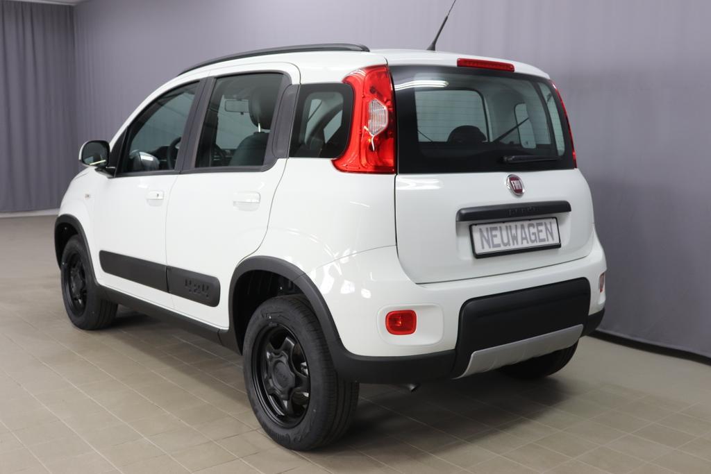 Panda 4x4 0,9 Twin Air Turbo 85 4x4 Wildbez. 19.6.296 Ambient White                                 139 Stoff Schwarz/Grau, Rote  Nähte, Armaturenbrett grau