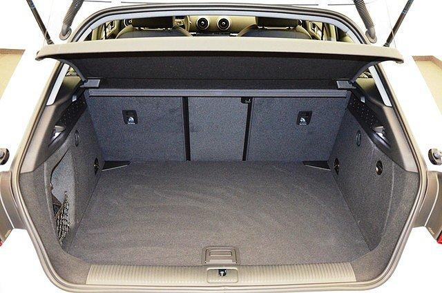 Audi A3 Sportback 35 TFSI Sport Bi-Xenon/Temp/PDC/Sitzh
