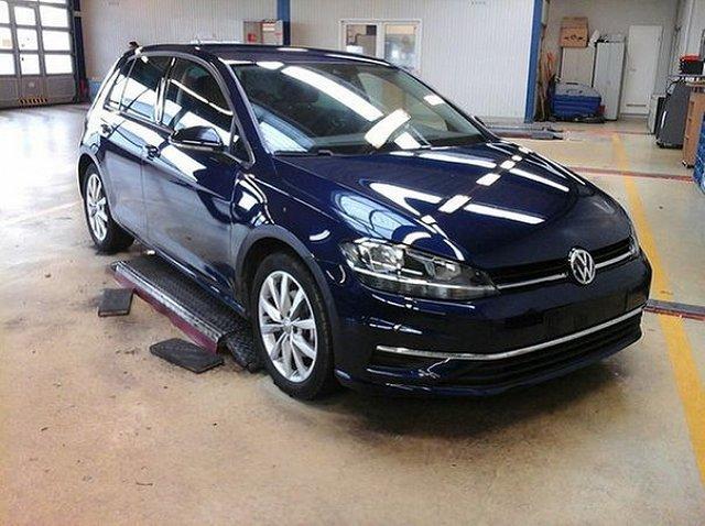 Volkswagen Golf - VII 1.5 TSI DSG IQ.Drive ACC AHK 17 Zoll