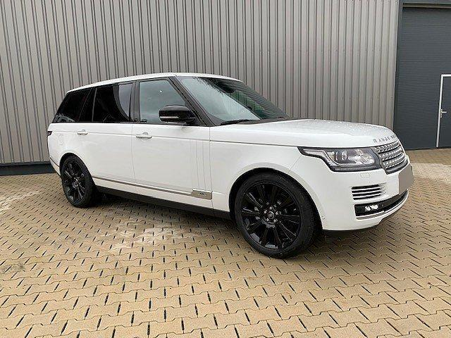 Land Rover Range Rover - LWB SE Business Black Edition