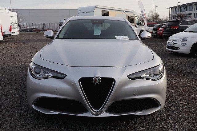 Alfa Romeo Giulia - Super 2.0 Turbo 16V 147kW XEN NAV ASS KOM
