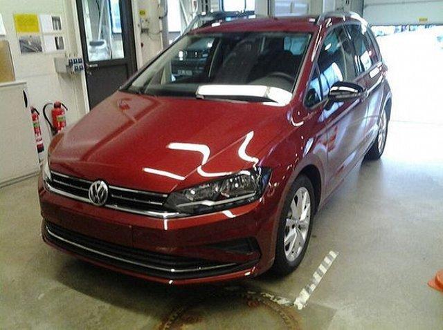 Volkswagen Golf Sportsvan - 1.5 TSI IQ.Drive ACC 17 Zoll App