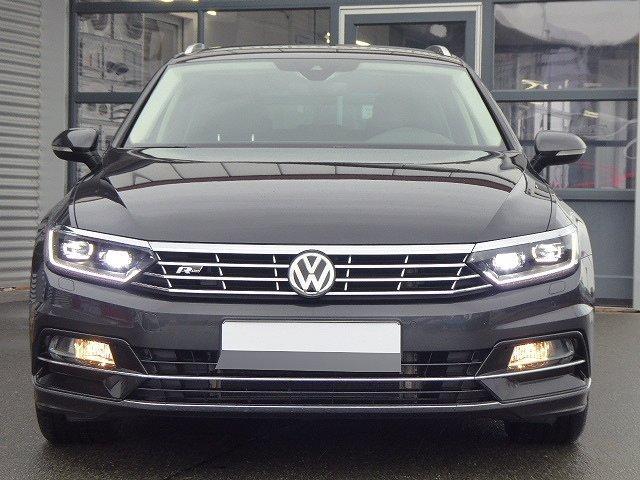 Volkswagen Passat Variant - Highline R-Line TDI DSG +18 ZOLL+