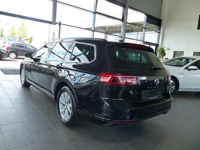 Volkswagen Passat Variant - 2.0TDI DSG IQ Light Kamera Navi Travel Assist el Heckklappe