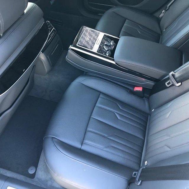 Audi A8 60 TFSI e quattro 330(449) kW(PS