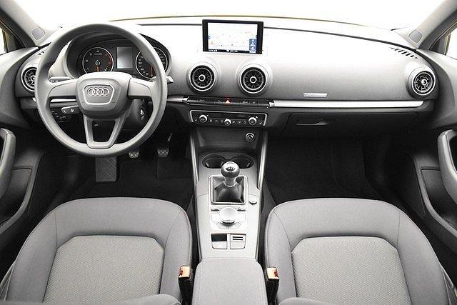 Audi A3 Sportback 30 TDI Navi/Glanzpaket/DAB+