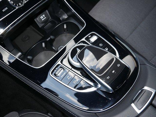 Mercedes-Benz E-Klasse - E 300 Avantgarde Distronic+ Comand Memory 360°