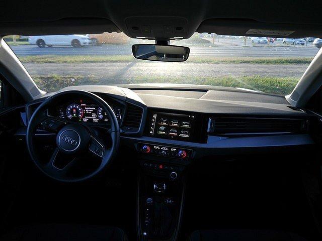 Audi A1 Sportback 40 TFSI S tronic line Design Select