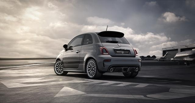 "Abarth 595 Sie sparen 5.640€ 1,4 T-Jet Navigationssystem, DAB, MJ 2020, Apple CarPlay, 17""- Leichtmetallfelgen, LED-Tagfahrlicht, 7 Zoll TFT Farbdisplay, Analoges Manometer, Nebelscheinwerfer, Kit Estetico Schwarz uvm."