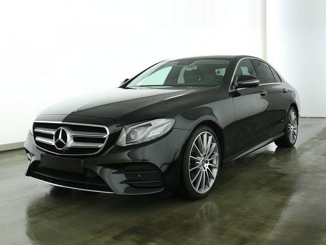 Mercedes-Benz E-Klasse - E 200 AMG Line Standhz. LED Navi Kamera Totw.-A