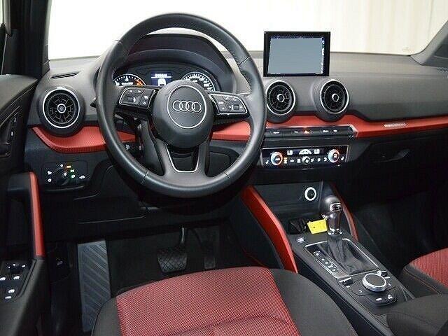 Audi Q2 35 TDI quattro S tronic sport