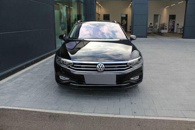 Volkswagen Passat - Variant Business 2.0 TDI DSG IQ.Light AHK