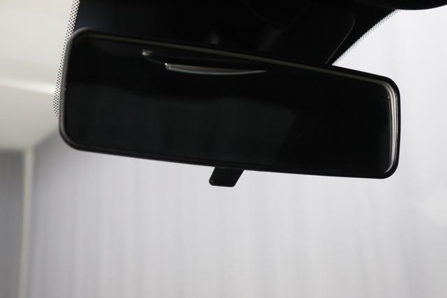 """595 MY20-Competizione 1.4 T-Jet 132 KW (180PS)268 Gara Weiß 551 - Integral-Sportsitze Leder Braun/Schwarz (Teilflächen in Lederoptik) """"06P Urban Paket 230 Bi-xenon Scheinwerfer 4YG Beats® Audio Soundsystem 505 Kopfairbags vorne 5CA 268 Gara Weiß 5HN Kit Estetico Schwarz 626, 6GD Radioantenne im hinteren Seitenfenster 727 Leder Barun 7QC, 83Y Brembo®"""" Schwarz lackiert 8EW Apple Car Play / Android Auto 9SV Gutschrift Bmc Sportluftfilter Und Tankdeckel Aus Aluminium"""""""
