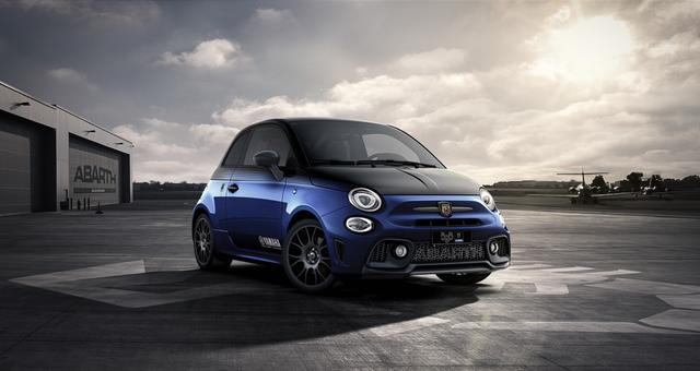 "Vorlauffahrzeug Abarth 595 - MONSTER ENERGY YAMAHA 1,4 T-Jet Privacy Glass, Klimaautomatik, Radioantenne im hinteren Seitenfenster, MJ 2020, Apple CarPlay, 17""-LM, LED-Tagfahrlicht, 7 Zoll TFT Farbdisplay, Analoges Manometer, Nebelscheinwerfer uvm."