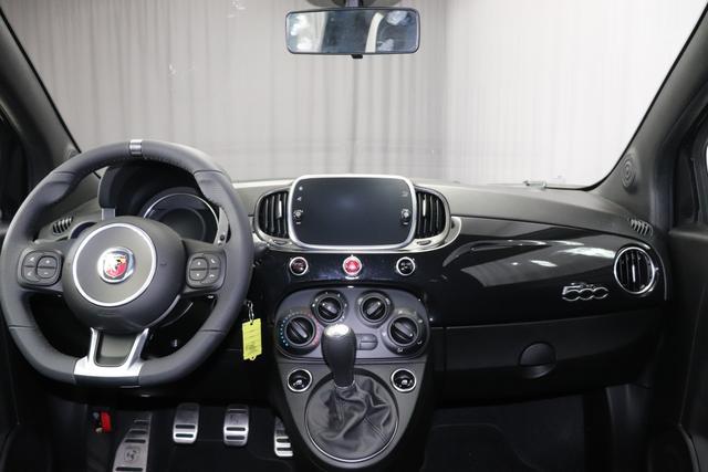 """""""Abarth 595 MY19-1.4 T-Jet 107 KW (145PS) MY19 """"876 Scorpione Schwarz Integral Sportsitze Stoff Schwarz ohne Aufpreis Kaufvertrag bitte auf Neuwagen Autoland Oberbayern !!!! """"7QC UconnectTM HD-NAV mit Europakarte und Radio mit 7"""""""" Touchscreen, AUX-IN, USB, Bluetooth®, DAB und UconnectTM LIVE1 8EW Apple Carplay / Android Auto 4AY 17""""""""Leichtmetallfelgen Design """"Touring"""" 10-Y-Speichen Finish Silber 5HM Kit Estetico Weiss 025 Klimaanlage 097 Nebelscheinwerfer"""""""
