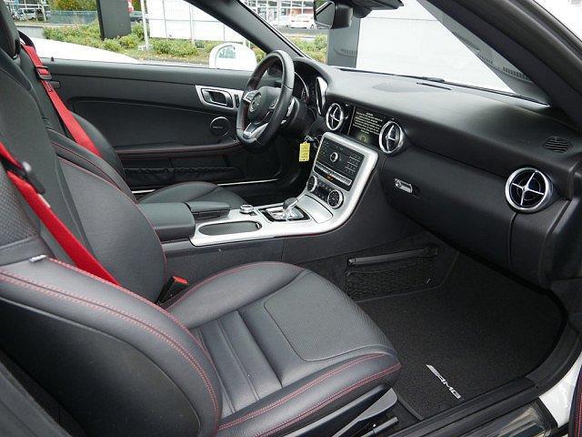 Mercedes-Benz SLC-Klasse - SLC 300 AMG Line PTS H/K NAVI LED 2,99 EFF* EU6