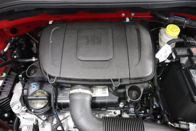 """1.0 GSE N3 500C Cabrio Lounge BSG Hybrid 6GANG 111 Pasodoble Red 033 Stoff Prince of Wales Schwarz-Grau-Weiß/Ambiente Schwarz/Verdeck Schwarz """"06P - CITY PAKET: Parksensoren hinten, Licht- und Regensensor 140 Klimaautomatik mit Pollenfilter 097 Nebelscheinwerfer 803 Notrad 4M5 Seitenschutzleisten, lackiert mit Emblem """"""""500"""""""" """""""