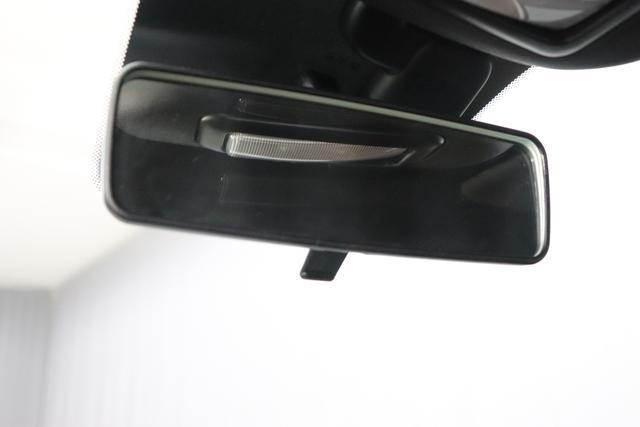 """595 Cabrio MY20-Competizione 1.4 T-Jet 132 KW (180PS) 876 - Scorpione Schwarz (Metallic-Lackierung) 495 - Integral-Sportsitze Leder Braun/Schwarz (Teilflächen in Lederoptik), Verdeck Schwarz """"06P City Paket: 230 Bi-Xenon 4YG Beats® Audio Soundsystem 505 Kopfairbags vorne 5CE Scorpione Schwarz 5YN 17"""""""" Leichtmetallfelgen Design """"Formula"""" 14-Speichen Finish Titan 626, 665 Raucher-Paket 727 Integral-Sportsitze Leder Braun 7QC, 8EW Apple Car Play / Android Auto 925 Windschott 9SV Gutschrift Bmc Sportluftfilter Und Tankdeckel Aus Aluminium"""""""