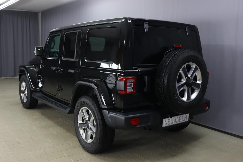 Jeep Wrangler Unlimited MY 2020 Sahara 2,0 T 200 kW 272 PS Automatikgetriebe DSG Automatik 4 WD 4 türigBlack uni PX8 5CALeder schwarz