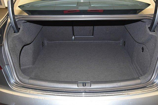 Audi A3 Limousine 30 TDI S-tronic sport Xenon/Tempo/Nav