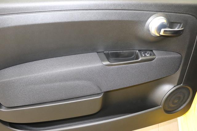 """595 MY20-Competizione 1.4 T-Jet 132 KW (180PS) 258 Modena Gelb 583 - Rennsport Schalensitze """"Sabelt® GT"""" Stoff Schwarz/Grau """"06P Urban Paket 230 Bi-xenon Scheinwerfer 4YG Beats® Audio Soundsystem 5DM Modena Gelb 5HN Kit Estetico Scorpione Schwarz 6GD Radioantenne In Hinterem Seitenfenster 7UV Sitzgurte In Gelb 83Y Schwarz Lackierte Bremssättel Brembo® 8F6 Reifenreparaturset - Kit """"""""fix&go"""""""" 9SV Gutschrift Bmc Sportluftfilter Und Tankdeckel Aus Aluminium"""""""