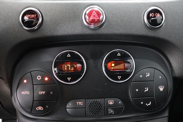 """595 MY20-Competizione 1.4 T-Jet 132 KW (180PS) Re da. 27.11. 881 - Abarth Rot / Dach Schwarz 583 - Rennsport Schalensitze """"Sabelt® GT"""" Stoff Schwarz/Grau """"06P Urban Paket: 0PY Abarth Rot 230 Bi-xenon Scheinwerfer 432 17"""""""" Leichtmetallfelgen Design """"Supersport"""" 12-Speichen Finish Schwarz Mat 4YG Beats® Audio Soundsystem 5HN Kit Estetico Schwarz 6GD Radioantenne im hinteren Seitenfenster 7QC, 8EW Apple Car Play / Android Auto 9SV Gutschrift Bmc Sportluftfilter Und Tankdeckel Aus Aluminium"""""""