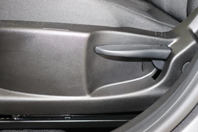 """Fiat Tipo SW EASY 1,4 95PS E6D """"695 5DR Grigio Underground """" 519 """"SONDERAUSSTATTUNG: 7QC Uconnect™ NAV Navigationssystem mit Europarkarte und digitalem Audioempfang DAB 8EW Uconnect™ LINK (Smartphone Mirroring via Apple Car Play² und Android 508 PDC hinten 097 Nebelscheinwerfer 1M1 Alufelgen 16 Zoll 416 Tempomat 452 beheizte Sitze vorne 0WA Rücksitzbank mit Flip&Fold-System, herausziehbares Sitzkissen 140 Klimaautomatik 070 Fensterscheiben hinten, getönt 041 Außenspiegel, elektrisch verstell- und beheizbar"""""""