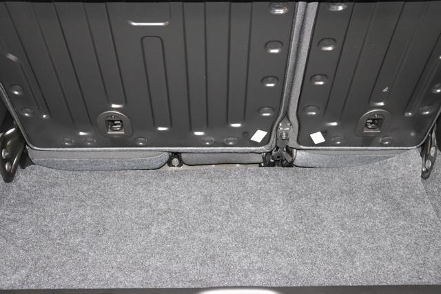 """Panda Lounge 1.2 51kw (69PS) E6D-TEMP601 - Cinema Schwarz 142 - Stoff Schwarz/Grau, graue Nähte, Armaturenbrett Titan """"4CY, 508 Parksensoren hinten 9G79G7 Fußmatten vorne und hinten"""""""