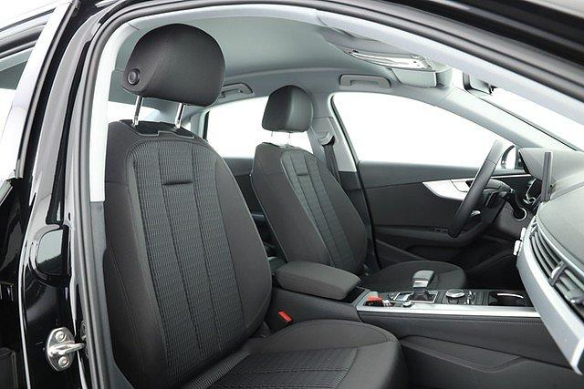 Audi A4 Limousine 40 TFSI S tronic Design Navi DAB 17 Zoll LED
