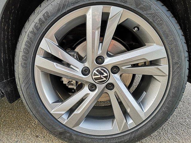 Volkswagen Golf - 8 1,5TSi R-Line Navi ACC LED Keyless go