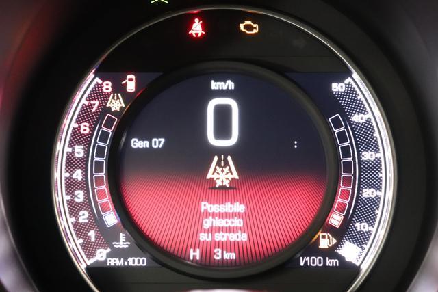 """595 Competizione 1.4 T-Jet 132 KW (180PS) MY20369 Podio Blau 583 - Rennsport Schalensitze """"Sabelt® GT"""" Stoff Schwarz/Grau """"06P Urban Paket 83Y """"Brembo®"""" Schwarz lackiert 6GD Radioantenne im hinteren Seitenfenster 5HN Kit Estetico Schwarz 4YG Beats® Audio Soundsystem 230 Bi-Xeno"""""""