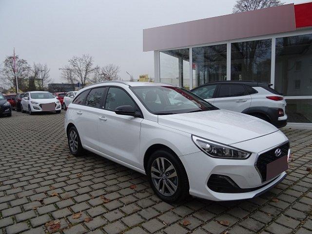 Hyundai i30 Kombi - i30cw 1.6 CRDi Sonderedition YES! +NAVI+RÜCKFAHRKAMERA+LICHTSENSOR+KLIMA+SHZ+TEMPOMAT