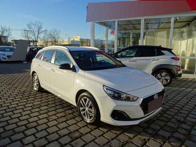 Hyundai i30 Kombi - i30cw 1.4 T-GDi Sonderedition YES! +NAVI+RÜCKFAHRKAMERA+KLIMA+SHZ+TEMPOMAT+LICHTSENSOR
